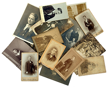 Family Archives: old photos shows the genealogy